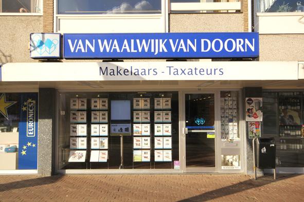 Kantoor Vestiging Van Waalwijk van Doorn Makelaars-Taxateurs Santpoort