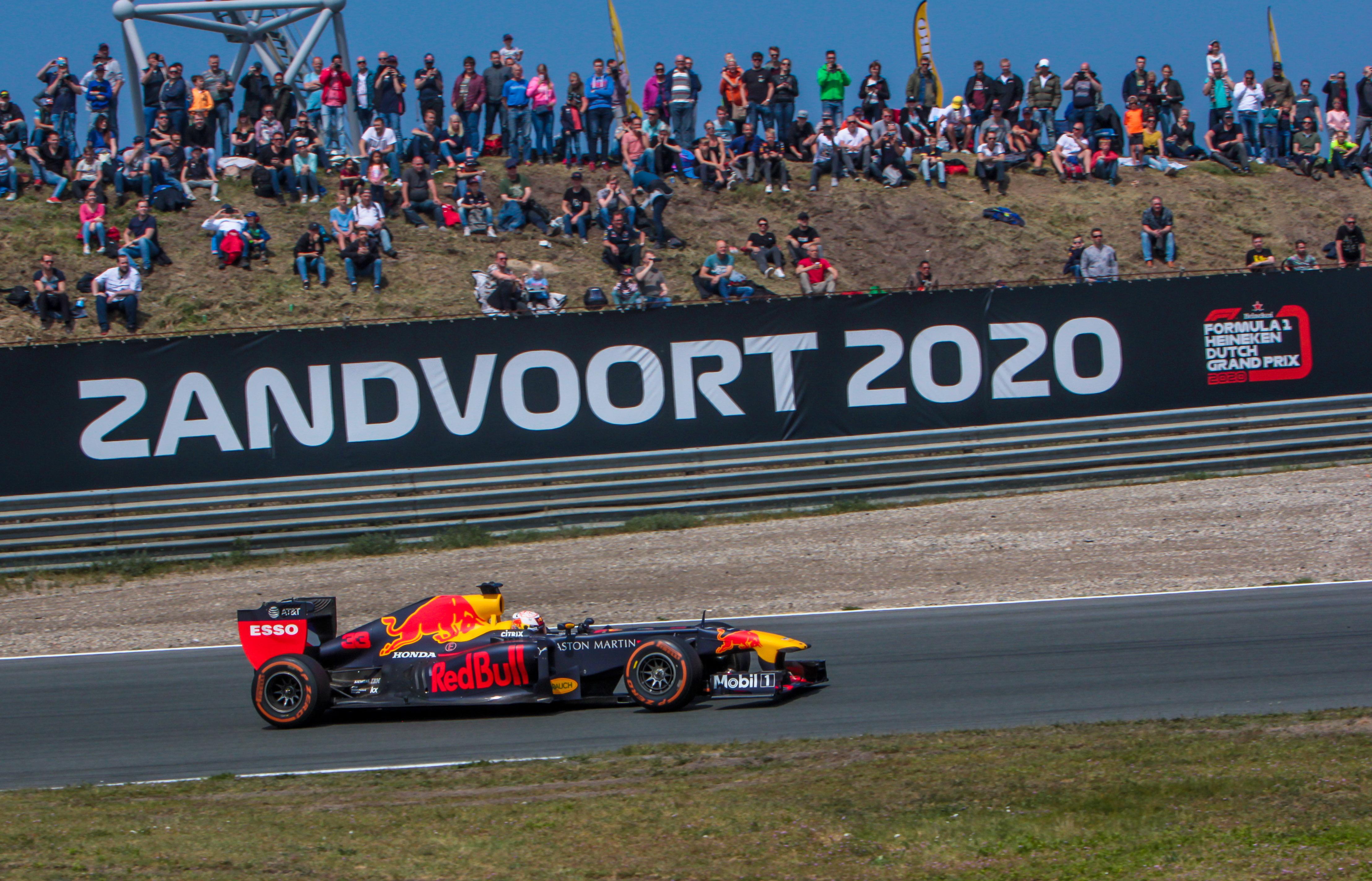 Max Verstappen rijdt op Circuit Zandvoort