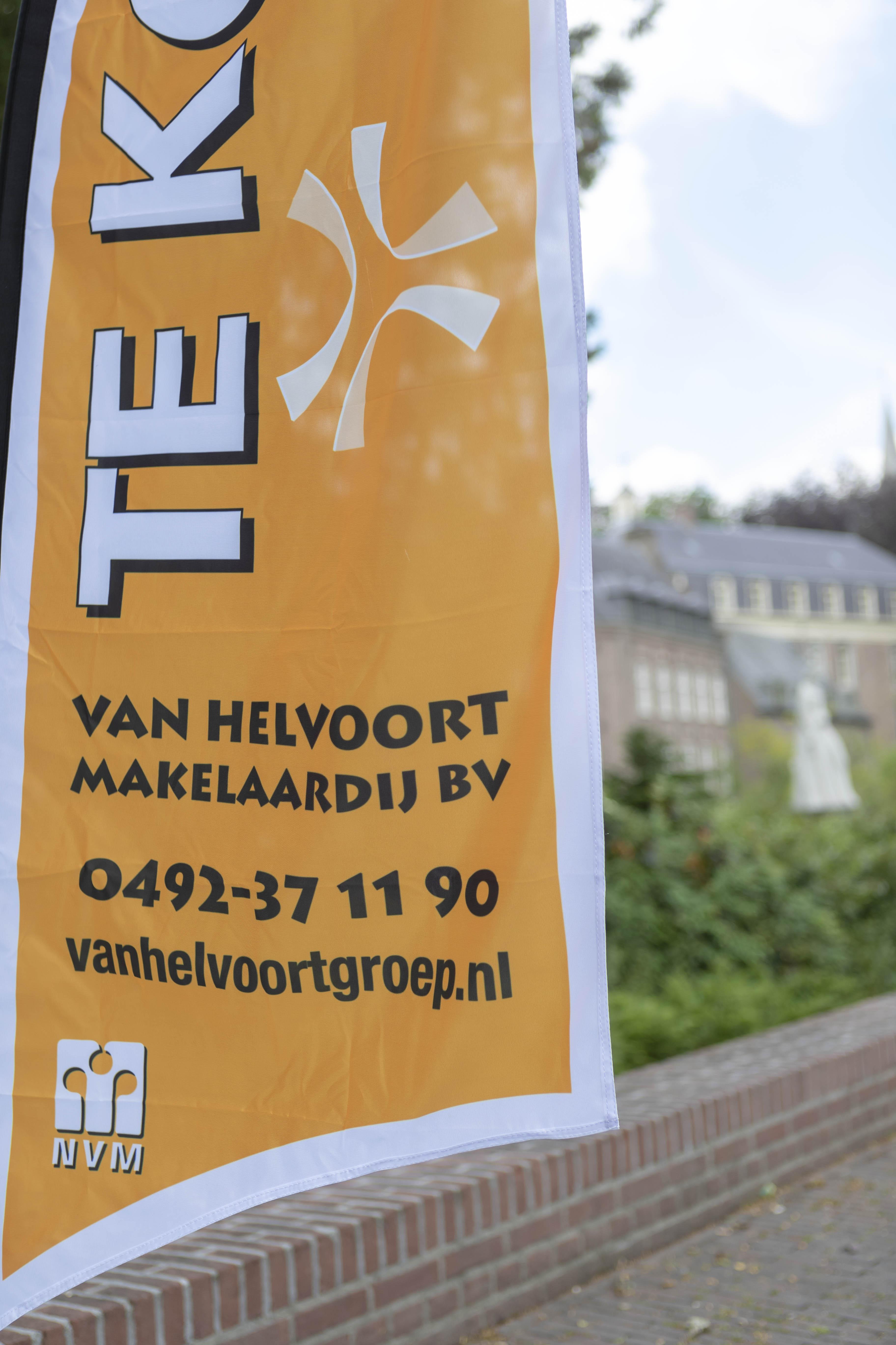 Verkoopvlag Van Helvoort Makelaardij ook voor uw woning in Gemert en Boekel