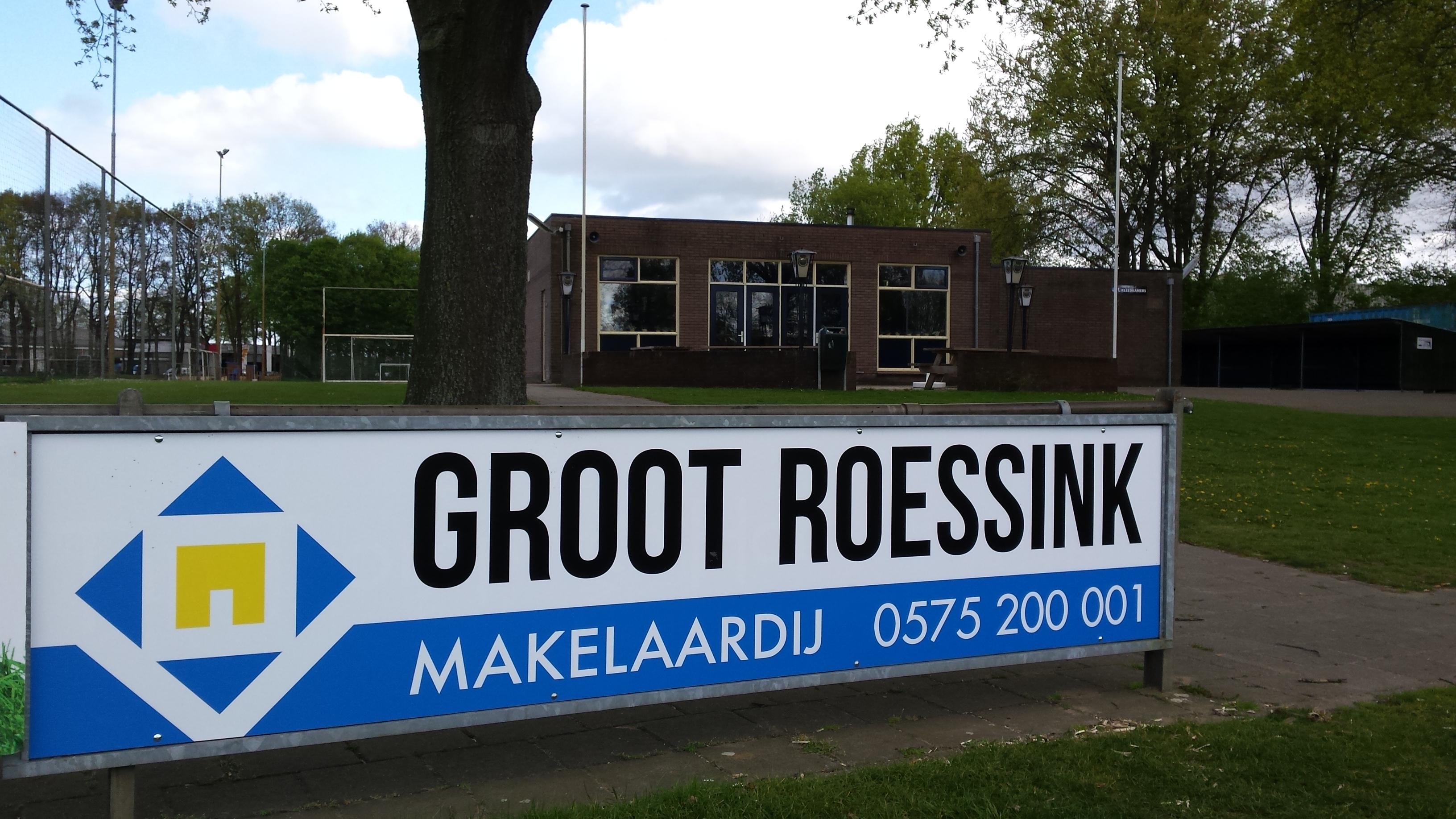 Foto: Groot Roessink Makelaardij nieuwe sponsor van SV Basteom.