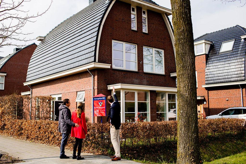Kiers Vastgoed als aankoopmakelaar met klanten in Hooglanderveen