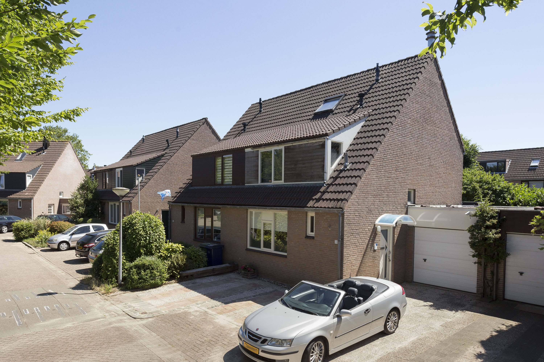 Twee-onder-eenkapwoning te koop in Almere Haven De Gouwen 59