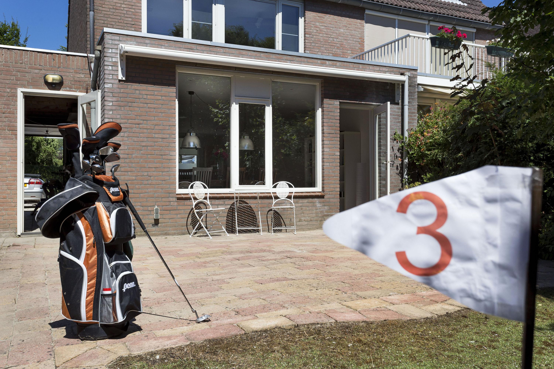 Twee-onder-eenkapwoning te koop in Almere Haven De Gouwen 59 putting green
